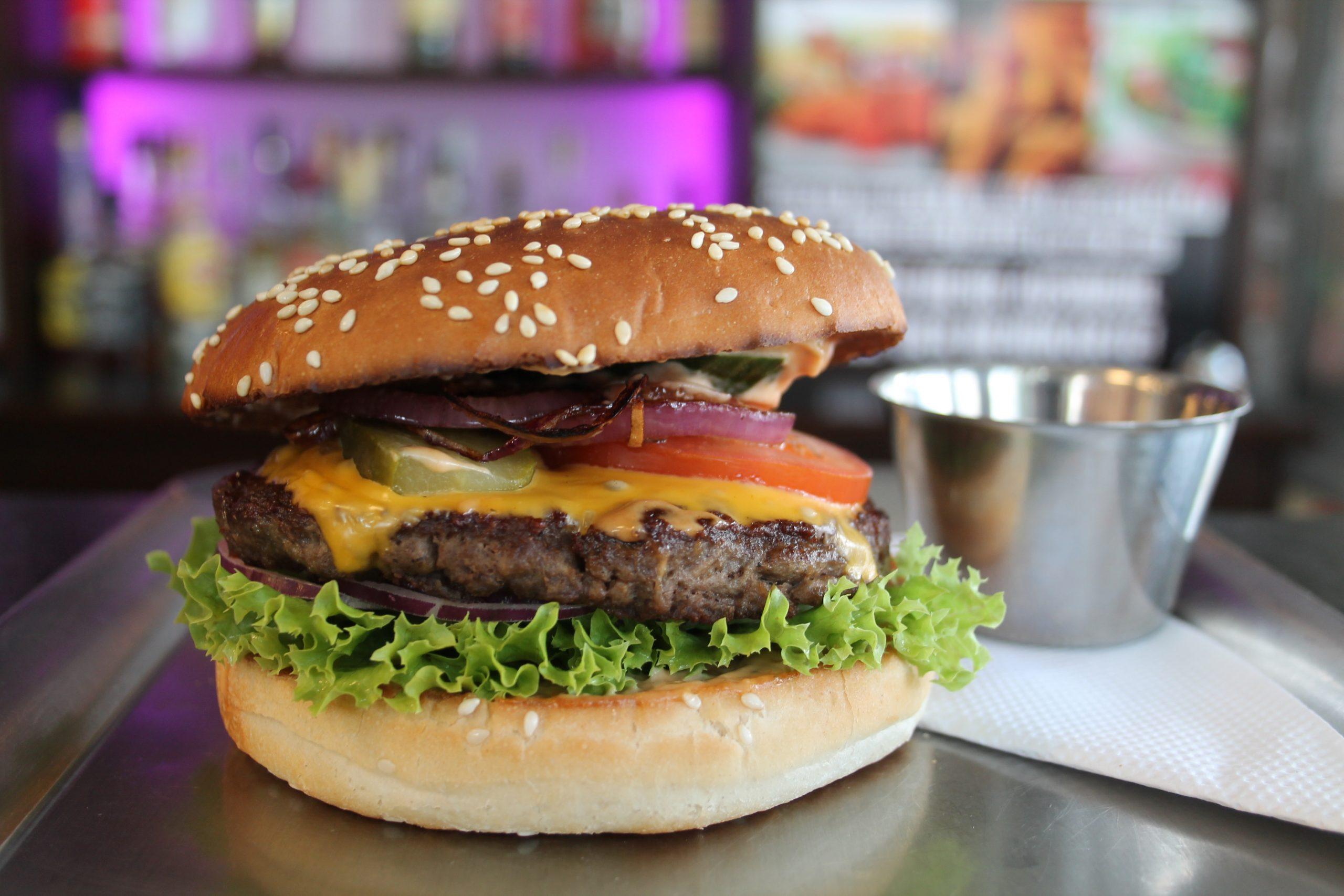 Wurst und Durst Big Cheese Burger